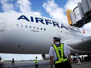 Air France lo ngại tổn thất kinh tế do vụ khủng bố Paris 13/11