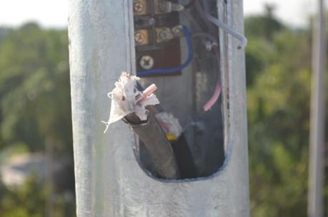 Thái Bình: Báo động tình trạng cắt trộm cáp điện tại nhiều tuyến giao thông
