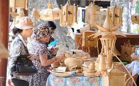 Hơn 300 gian hàng sẽ được trưng bày tại hội chợ làng nghề Việt Nam