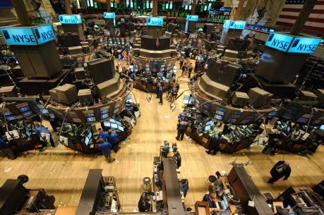 Nhóm cổ phiếu năng lượng mang sắc xanh đến Phố Wall