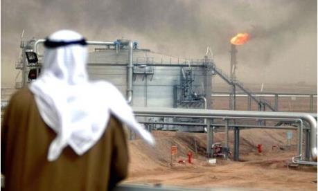 Saudi Arabia giành ngôi nhà khai thác dầu mỏ lớn nhất thế giới từ tay Nga