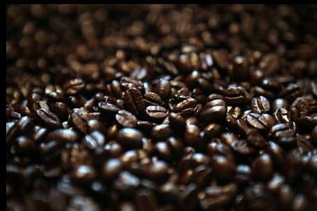 """Cà phê Việt Nam: """"Một mình một chợ"""" nhưng giá vẫn giảm"""