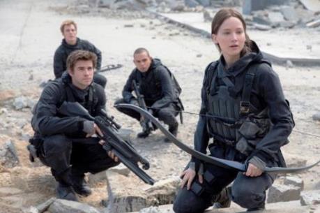 """""""Nữ chiến binh bất bại"""" thu hơn 198 triệu USD sau 10 ngày ra mắt"""