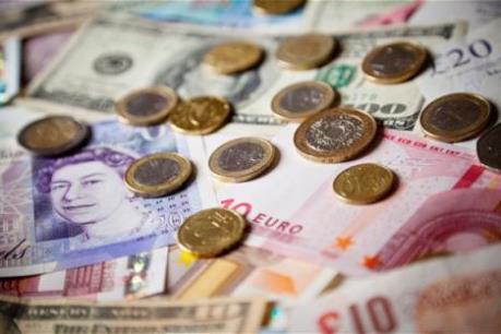 Đồng euro yếu đi trước thềm cuộc họp chính sách của ECB