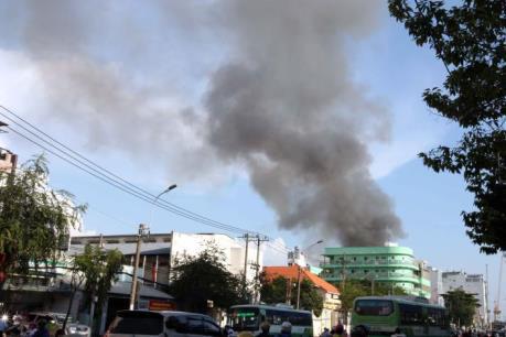 TP.Hồ Chí Minh: 8 căn nhà bị thiêu trụi trong vụ cháy ở Đại lộ Võ Văn Kiệt