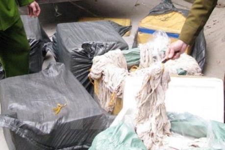 Quảng Ninh bắt giữ gần 1 tấn nội tạng động vật đang bốc mùi hôi thối