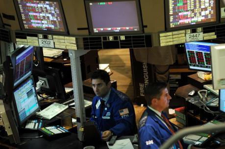 Nhóm cổ phiếu năng lượng đưa Phố Wall vào vùng đỏ