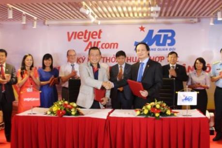 MB hỗ trợ VietJet 500 tỷ đồng mua tàu bay