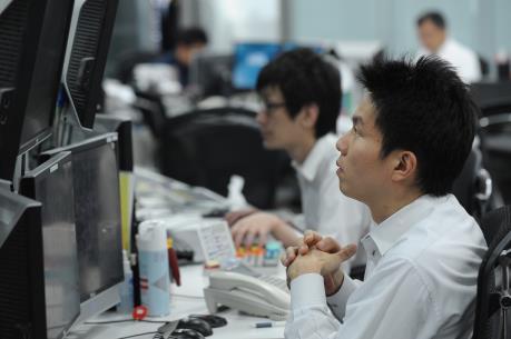 """Thị trường chứng khoán châu Á """"thoái lui"""" do giá dầu giảm"""