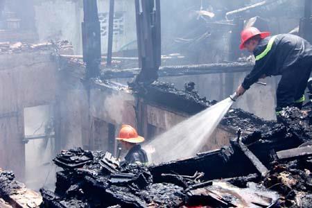 Hà Nội: Di dời khẩn cấp các hộ dân đang sinh sống tại 8 khu nhà gỗ phường Chương Dương