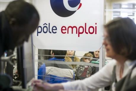 Viễn cảnh trái ngược của tăng trưởng kinh tế Pháp và Đức