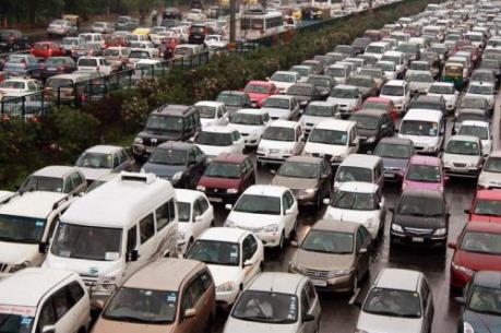 Ấn Độ hạn chế ô tô tại thủ đô để giảm ô nhiễm