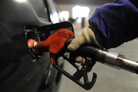 Giá dầu ngọt nhẹ  vẫn ở dưới mức 40 USD/thùng
