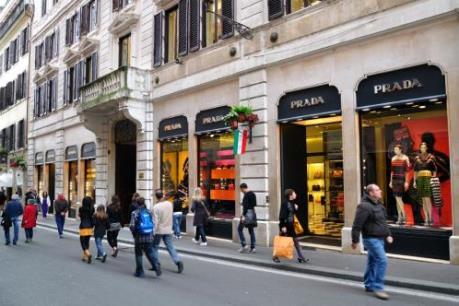 Người Italy vẫn mạnh tay chi tiêu cuối năm