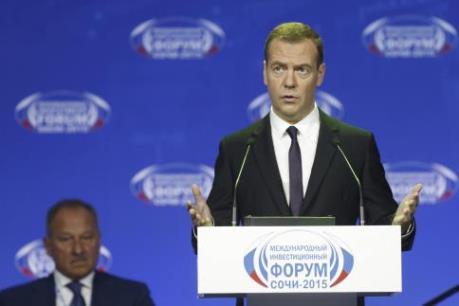 Thủ tướng Nga kỳ vọng kinh tế sẽ tăng 1% năm 2016