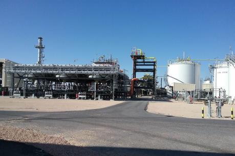 Việt Nam, Algeria đón dòng dầu đầu tiên từ mỏ Bir Seba