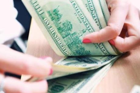 Các ngân hàng lại nâng giá USD