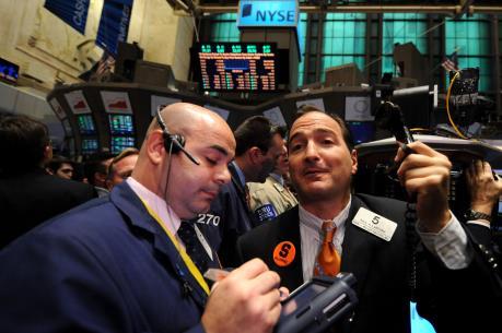 """Đà giảm sâu của giá dầu """"nhấn chìm"""" thị trường chứng khoán Mỹ"""
