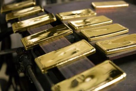 Vàng mất giá khoảng 10% trong năm 2015