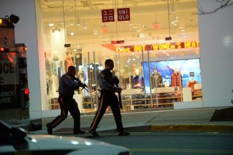 Nhiều trung tâm mua sắm tại Mỹ phải sơ tán sau đe dọa đánh bom