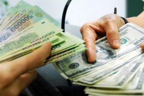 Giá đô la Mỹ tăng kịch trần