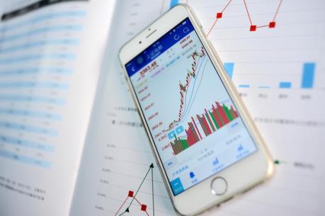 Cổ phiếu dầu khí lao dốc, VN-Index tiếp tục giảm điểm