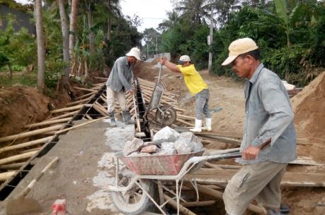 Xây dựng nông thôn mới: Tránh huy động cạn kiệt để dân tin tưởng
