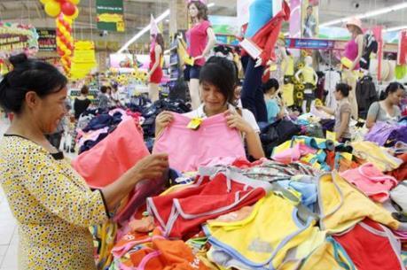 """Hàng Việt tăng sức cạnh tranh trên """"sân nhà"""""""