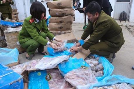Bắt xe tải chở nội tạng động vật không rõ nguồn gốc vào Nam Định tiêu thụ