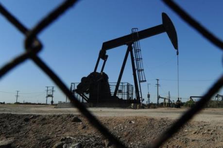 Thị trường dầu điều chỉnh nhẹ sau đợt trượt dốc