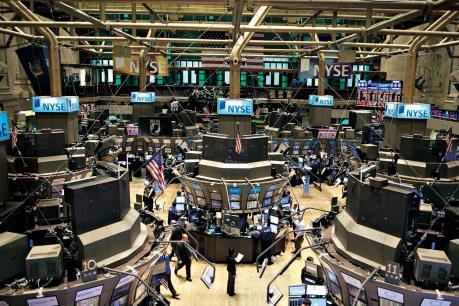 """Cổ phiếu Mỹ """"ăn theo"""" đà phục hồi của giá dầu"""