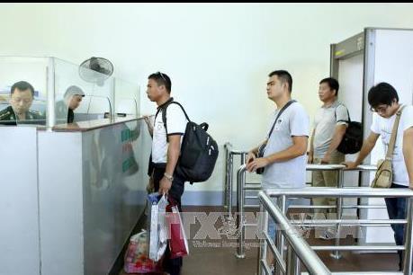 Cho phép xe du lịch tự lái qua biên giới Việt - Trung