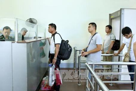 Thí điểm đón khách du lịch Trung Quốc sử dụng giấy thông hành
