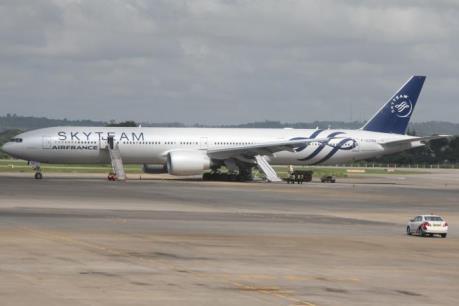 Thiết bị khả nghi trên máy bay Air France là bom hẹn giờ