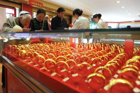 """Giá vàng """"lại sức"""" trên thị trường châu Á"""