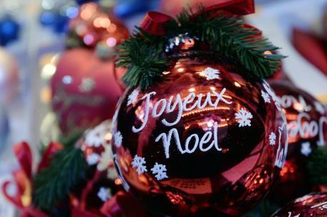 """Pháp: Sức mua sắm dịp Noel """"chững"""" lại do lo ngại khủng bố"""