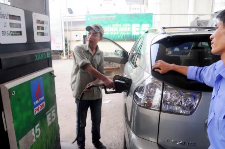 Hà Nội: Dừng thanh toán chi phí nhiên liệu ô tô không dùng xăng E5