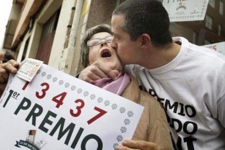 Một người nhập cư trúng số độc đắc dịp Noel tại Tây Ban Nha