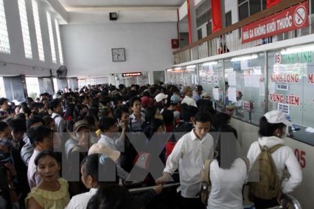 """Hành khách mua vé tại bến để tránh bị """"chặt chém"""""""