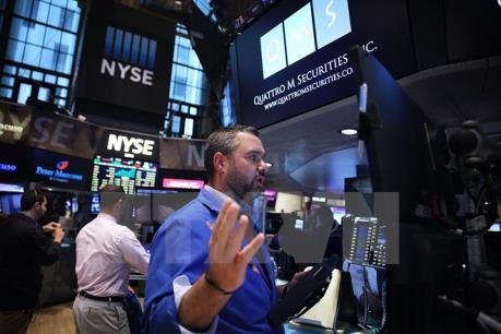 Sắc đỏ nở rộ trên thị trường chứng khoán thế giới