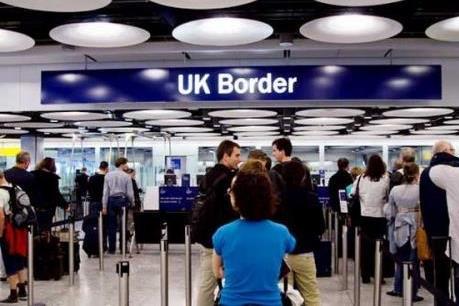 Pháp và Đức tìm cách thỏa hiệp với Anh về phúc lợi cho người nhập cư