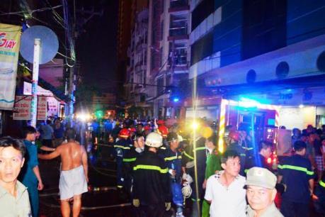 TP.HCM: Giải cứu thành công 5 người mắc kẹt trong đám cháy dữ dội
