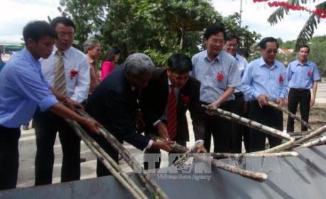 KCP Việt Nam thu mía nguyên liệu hỗ trợ nông dân niên vụ 2016