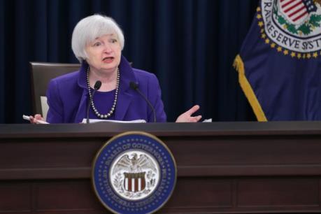 Ý kiến trái chiều về chính sách thúc đẩy kinh tế của Fed