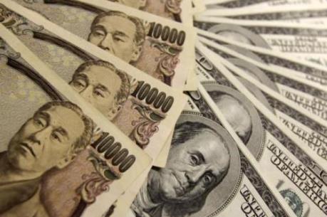 Nhà đầu tư Nhật Bản đẩy mạnh mua USD