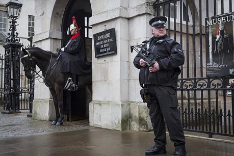 Vấn đề chống khủng bố: Anh, Tây Ban Nha tăng cường an ninh trước thềm Năm mới 2016