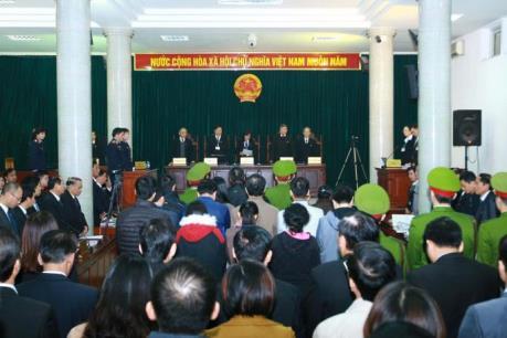 Nguyên giám đốc chi nhánh Agribank Nam Hà Nội đề nghị trả hồ sơ vụ án để làm rõ