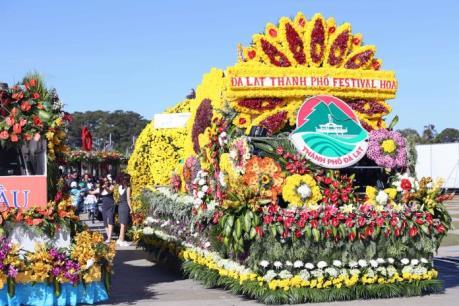 Lễ hội hoa Đà Lạt: Quá tải, chặt chém du khách