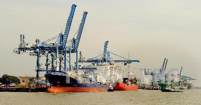 Doanh nghiệp tiết kiệm hàng trăm triệu nhờ thủ tục hàng hải rút gọn