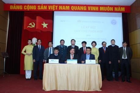 Vietnam Airlines ký kết Quy chế phối hợp 3 bên với ACV và VATM